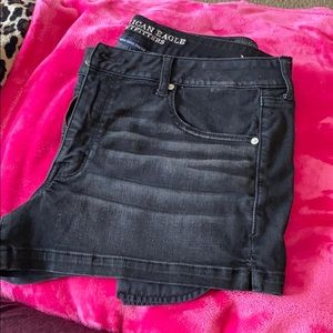 Size 18 Shortie Black American Eagle Shorts